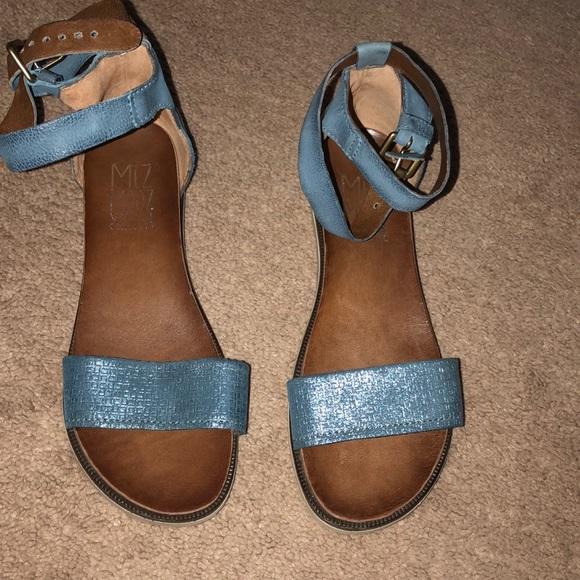 cf9c5554e270 Miz Mooz Shoes - Sandals
